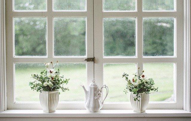 cenik lesenih oken